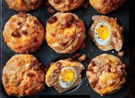 Muffin eggs for breakfast